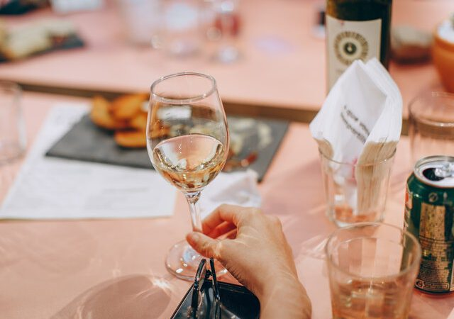 Simple Wine Drinking Tips